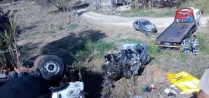 Acidente deixa mortos e feridos na BR-262 próximo a Nova Serrana; policiais estão entre as vítimas