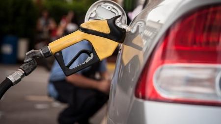 Preços dos combustíveis nos postos recuam nesta semana, diz ANP