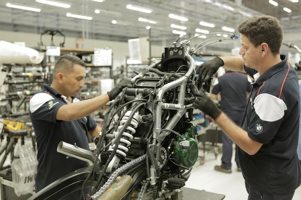 Linha de montagem da BMW em Manaus em imagem de arquivo — Foto: Divulgação