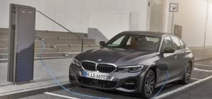 BMW Série 3 híbrida chega ao Brasil quase R$ 30 mil mais cara do que quando foi anunciada, há 1 mês