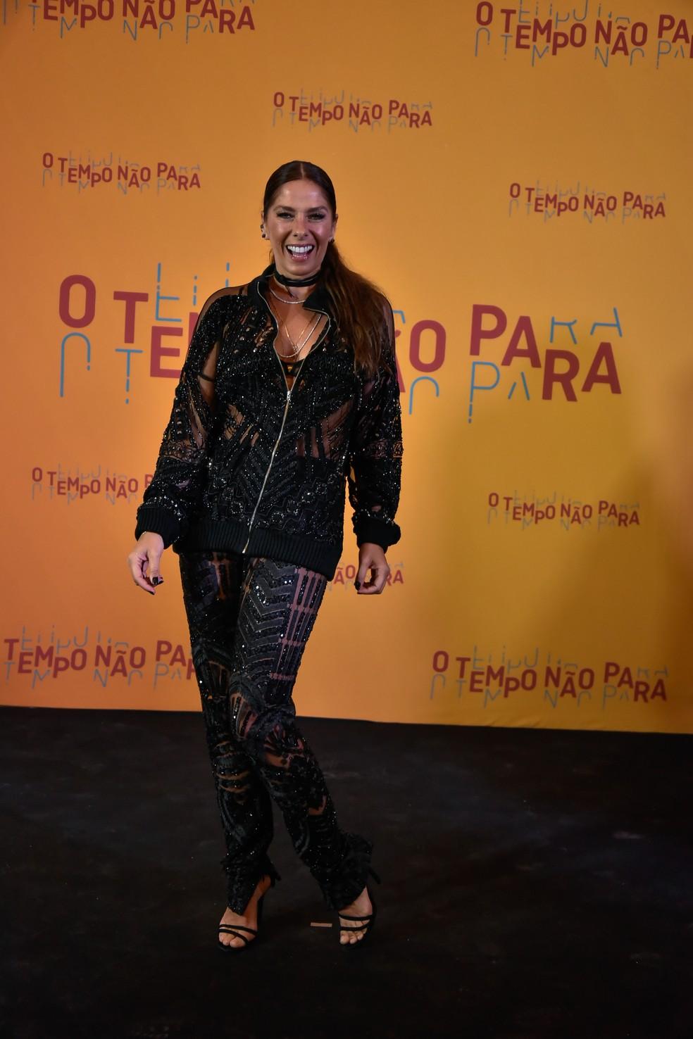 Adriane Galisteu no lançamento da novela 'O tempo não para' — Foto: Globo/Cesar Alves