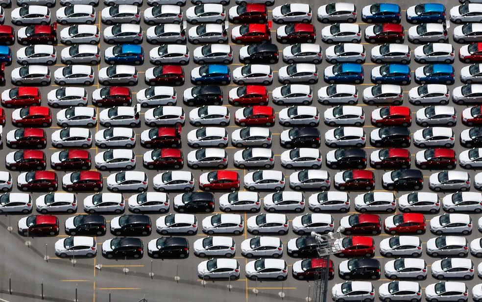 Venda de carros teve queda histórica na Europa — Foto: Paulo Whitaker/Reuters