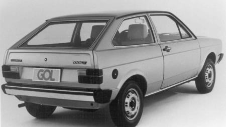 Volkswagen Gol, o carro mais vendido da história do Brasil, completa 40 anos