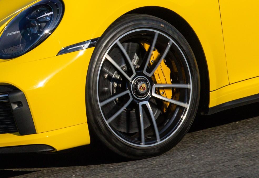 Disco de freio dianteiro do Porsche 911 Turbo S — Foto: Divulgação
