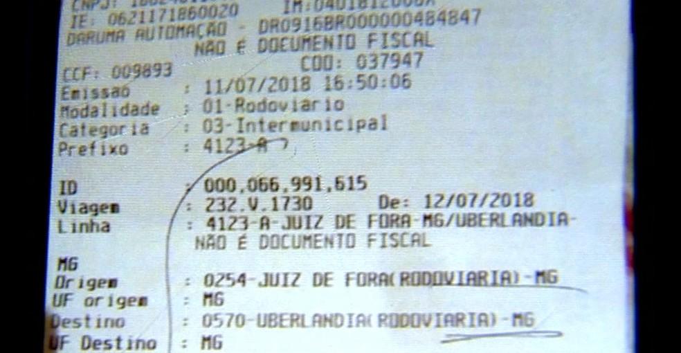 Amigo enviou para familiares imagem que indicaria que Caroline Germano da Silva comprou passagem para Uberlândia — Foto: Reprodução/TV Integração
