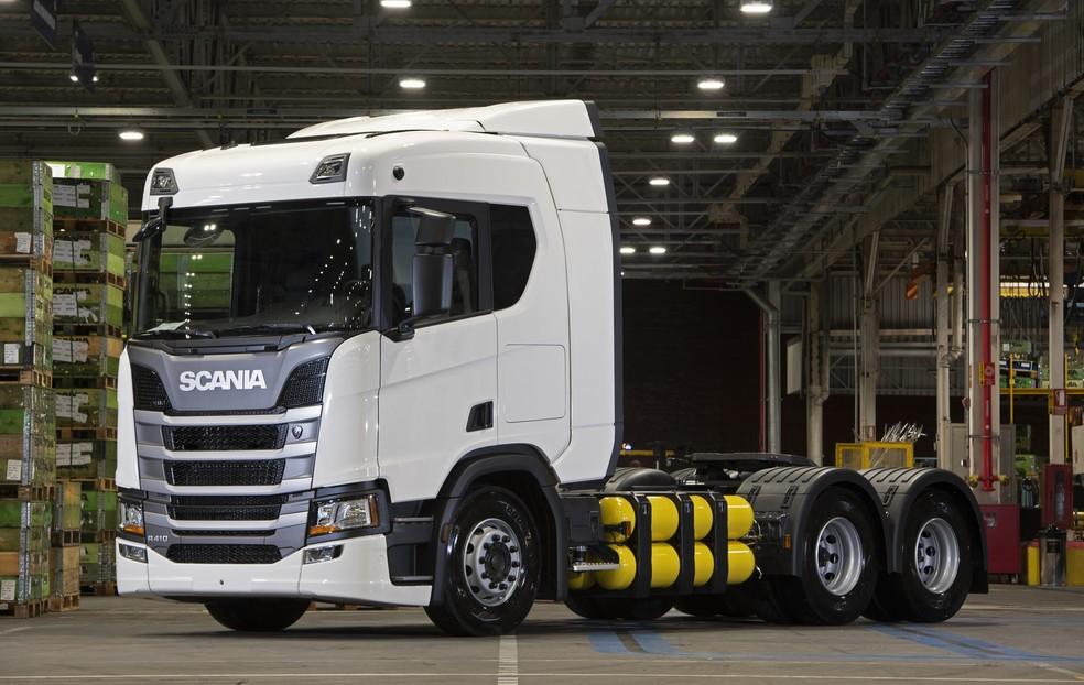 Scania R410 movido a GNV — Foto: Divulgação