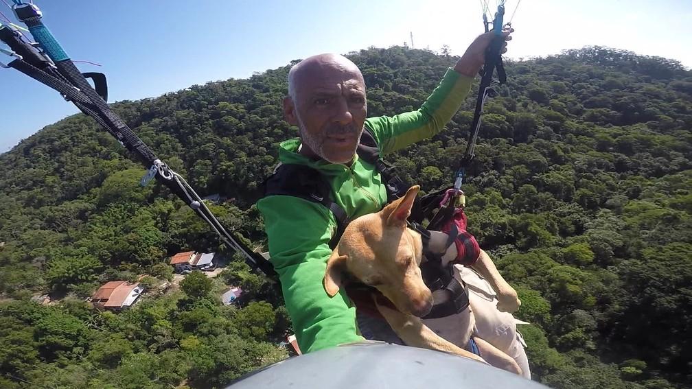 Dorinha faz seu quarto voo de parapente — Foto: Luciano Miranda / Arquivo Pessoal