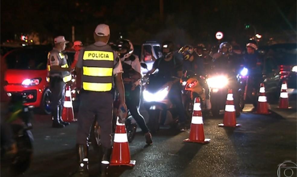 Blitz em São Paulo — Foto: Reprodução/ TV Globo