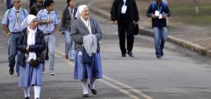 Grupo religioso pede na Justiça que freiras possam usar véu na foto da CNH