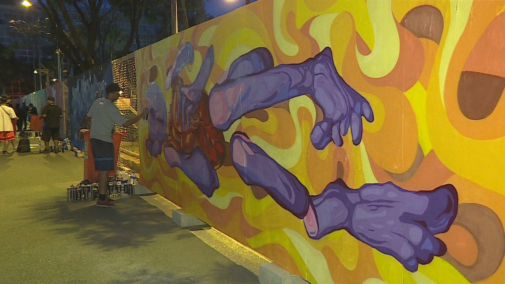 Mais de 50 artistas participaram da iniciativa na Praça da Liberdade — Foto: Reprodução/TV Globo