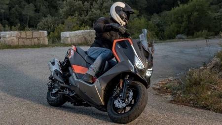 Maxi-scooter Kymco DT X360 Adventure é revelado para enfrentar Honda X-ADV