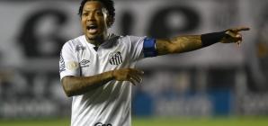 Santos avança com muita sorte e pouco juízo