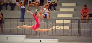 Em busca de um sonho: conheça Rebecca Menezes, menina de 11 anos apaixonada pela ginástica