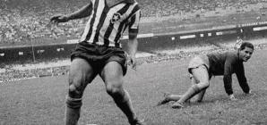 Quer ler um ótimo perfil de Mané Garrincha?