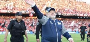 Filha de Maradona critica advogado do pai: 'Espero que a justiça seja feita'