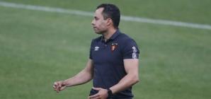 """Chateado, técnico do Sport afirma: """"Não tivemos capacidade de segurar os jogadores"""""""