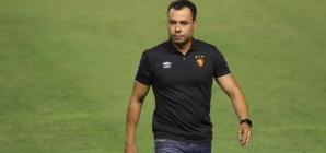 Apesar de derrota, Jair Ventura elogia atuação da equipe e pede menos protagonismo do VAR nos jogos do Sport