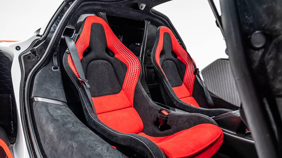 Interior da McLaren Sabre