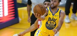 Stephen Curry está de volta! E como!