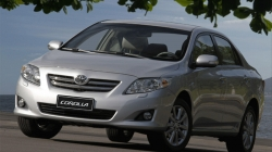 Recall do ESC: enquanto Mercedes faz, Toyota nega o quanto pode