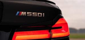 BMW M550i xDrive: prepare-se para uma 'martelada' do Thor!