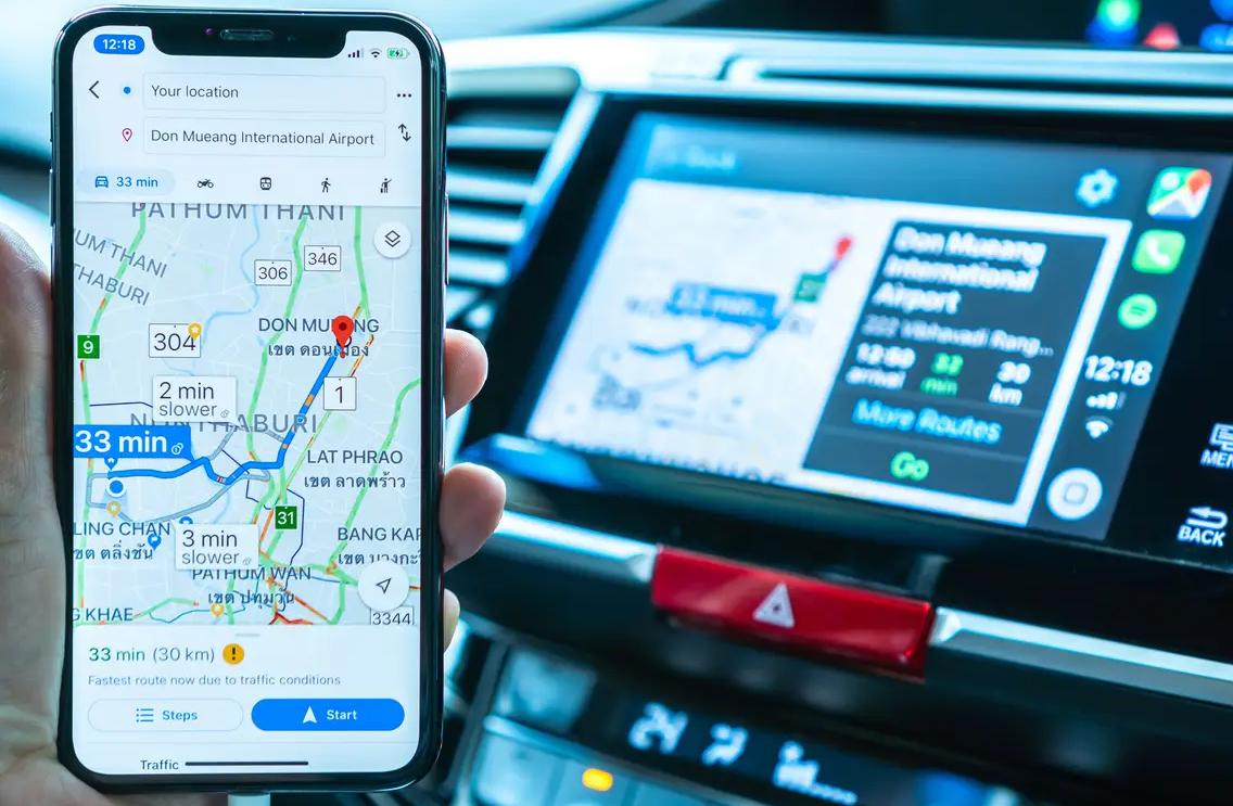 Google Maps espelhado no Apple CarPlay