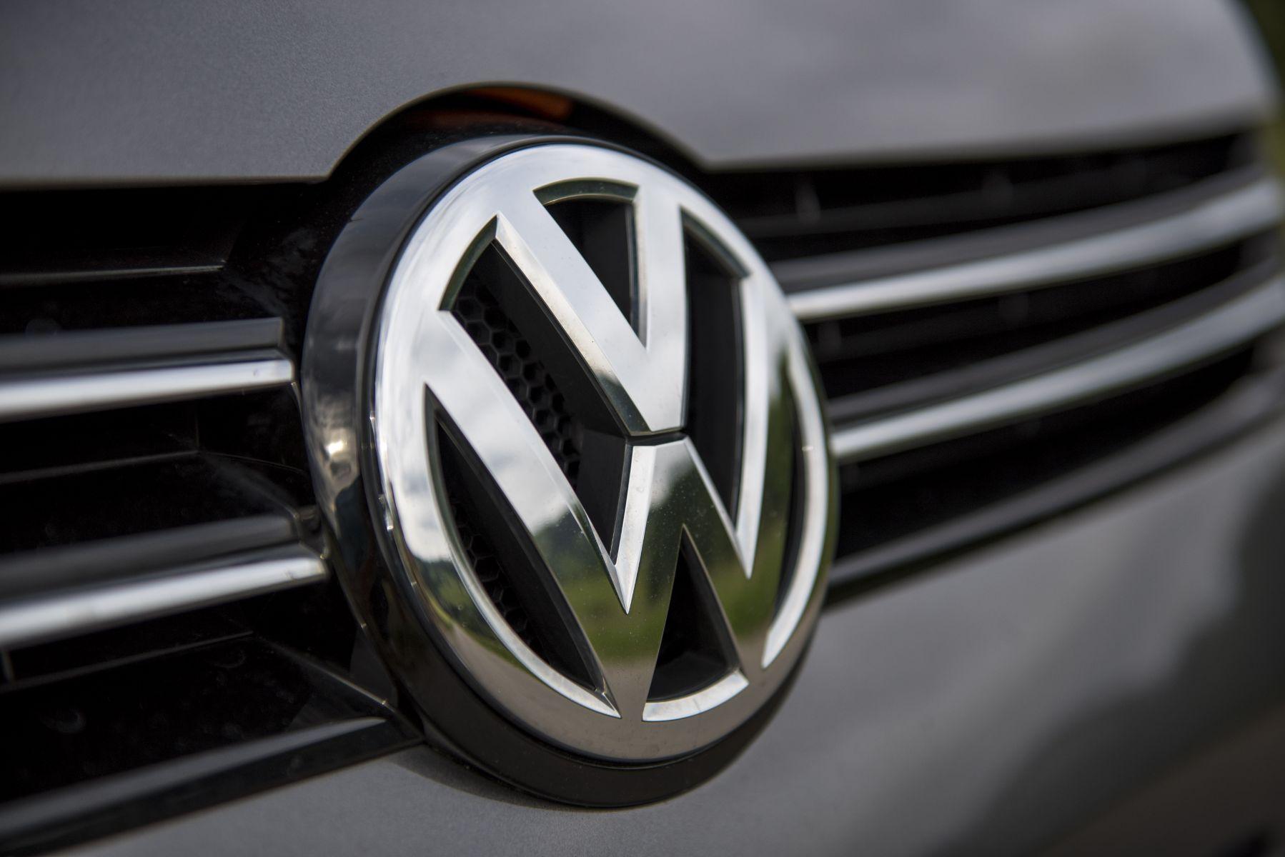emblema vw grade 1