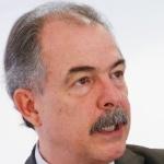 Petrobras tem maior lucro da história, mas combustíveis sobem de novo
