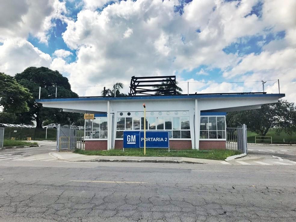 GM tem cerca de 5 mil empregados na fábrica em São José dos Campos — Foto: Camilla Motta/ G1