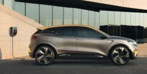 Renault Megane elétrico é flagrado pela 1ª vez e estilo 'acompanha' o do conceito
