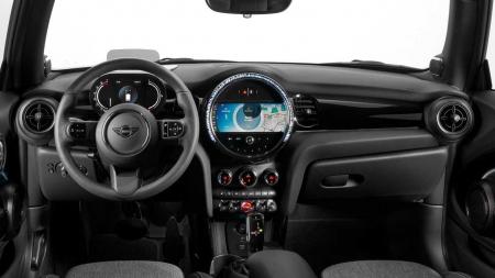Novo Mini Cooper chega ao Brasil com inédita versão por R$ 214.990