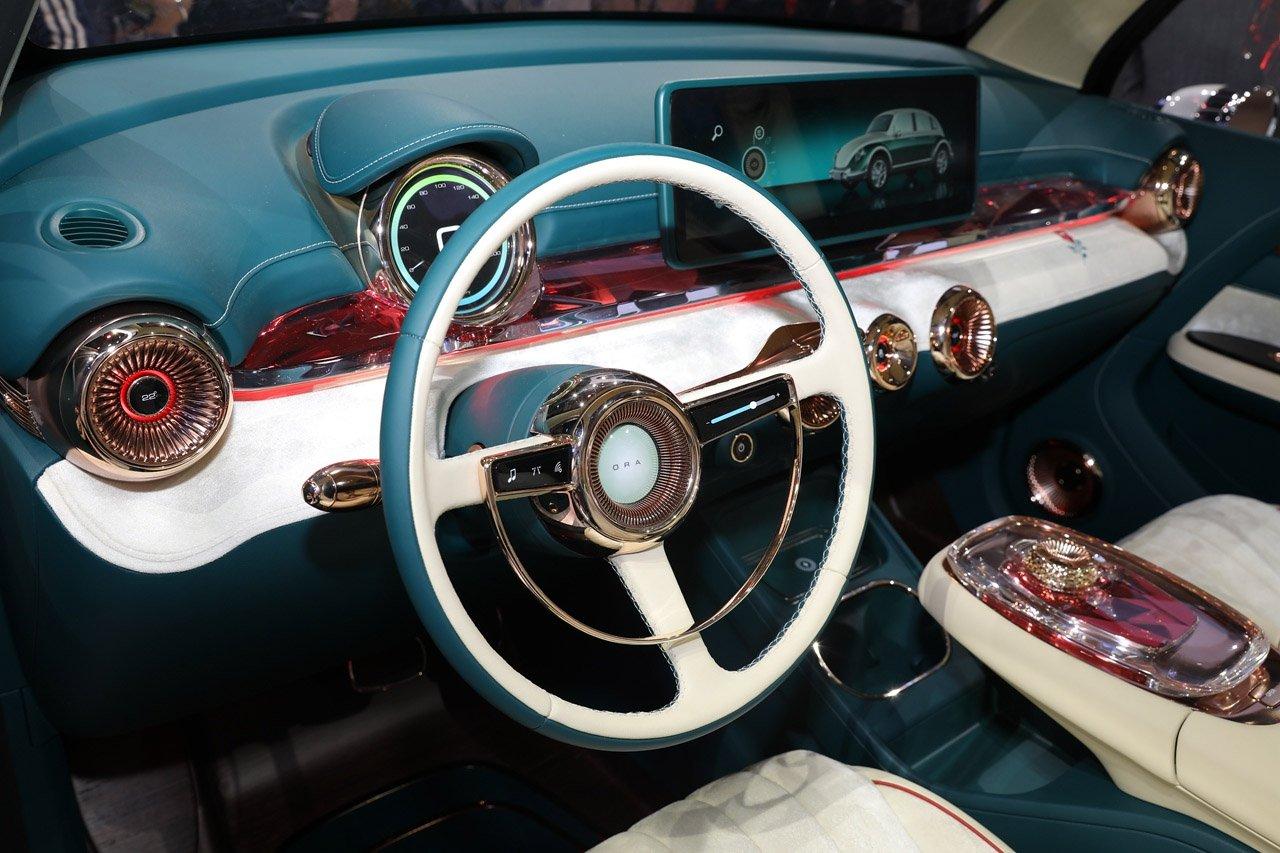 interior do ora punk car clone do fusca exibido no salao do automovel de xangai na china