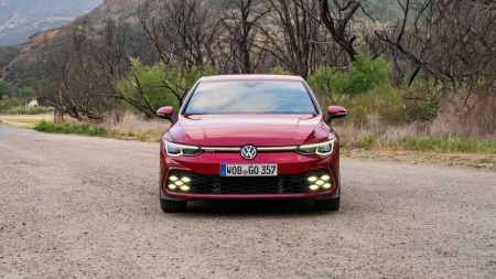 Já dirigimos: VW Golf GTI mantém alma da família com tecnologia