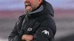 Três ônibus? Como Liverpool usou mistério para enganar torcedores do United