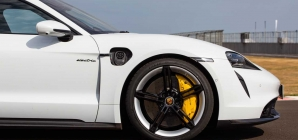 Porsche integra projeto de novo inversor para maior autonomia