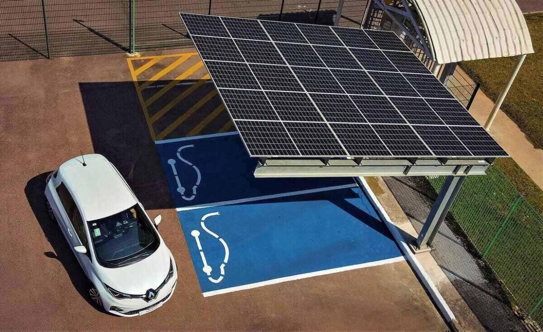 Estacionamento com painel solar